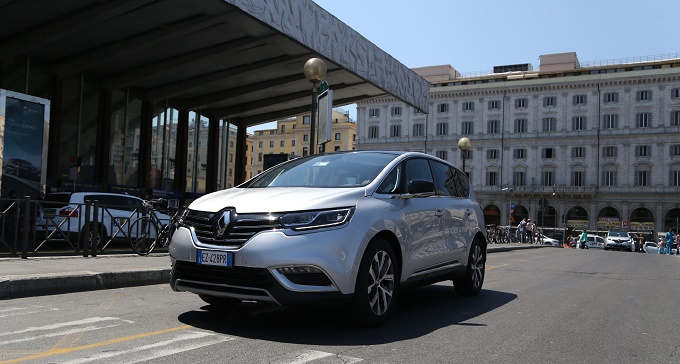 Nuovo Renault Espace, protagonista del progetto First Class Journey