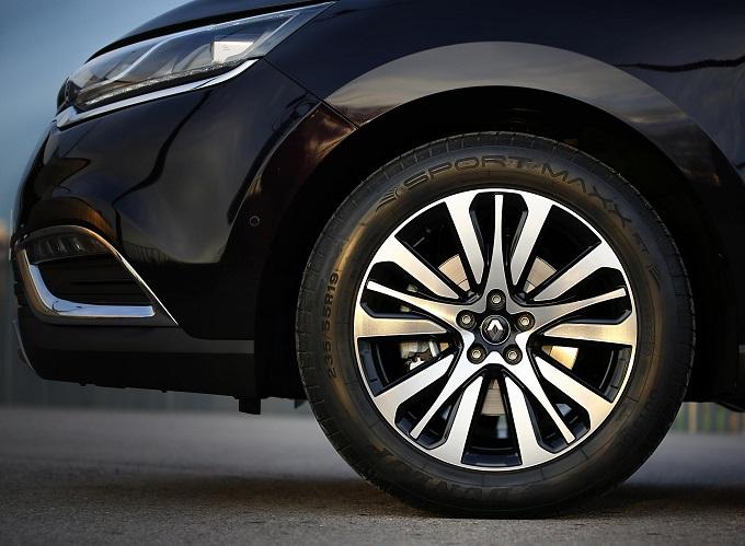 Renault Espace ha scelto i Dunlop Sport Maxx RT