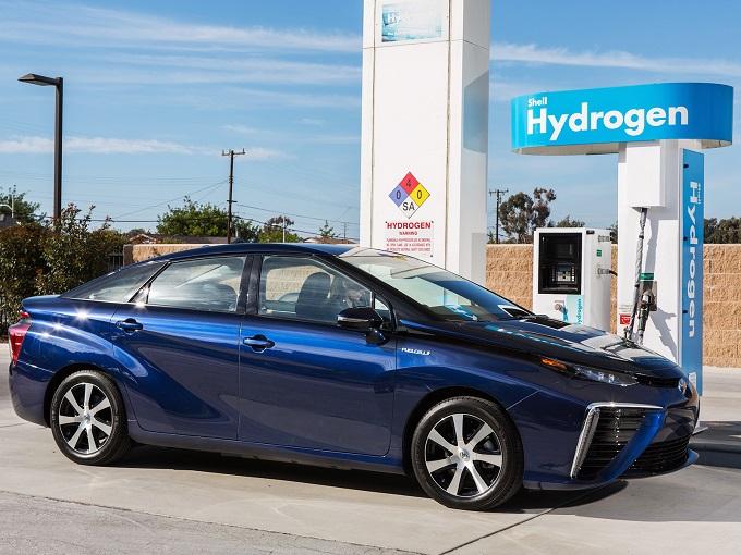 Toyota Italia chiede aiuto alle Istituzioni per creare una rete autostradale a idrogeno