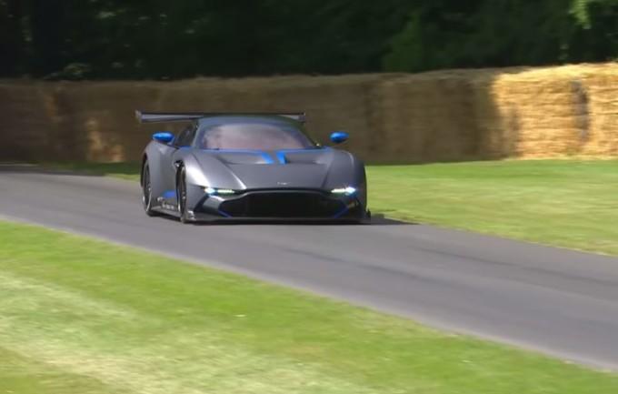 Aston Martin Vulcan: il VIDEO dell'esibizione al Festival of Speed di Goodwood