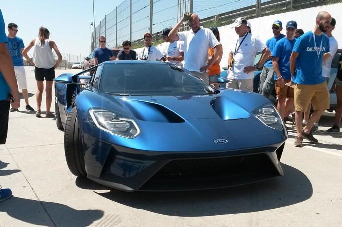 Ford GT, prototipo in panne nel circuito spagnolo di Jarama [VIDEO]
