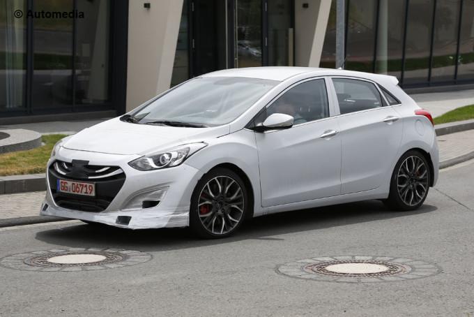 Hyundai i30 N - Foto spia 08-07-2015