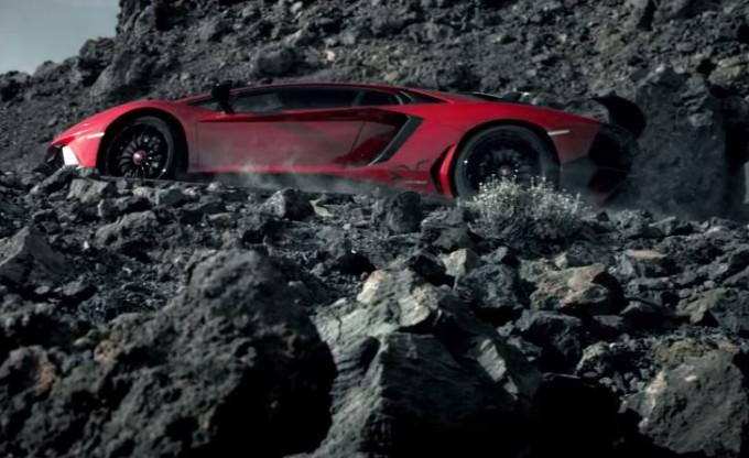Lamborghini giura fedeltà (per ora) ai motori aspirati