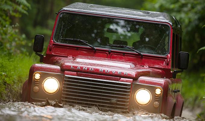 Land Rover Defender, la produzione andrà avanti fino alla fine di gennaio 2016