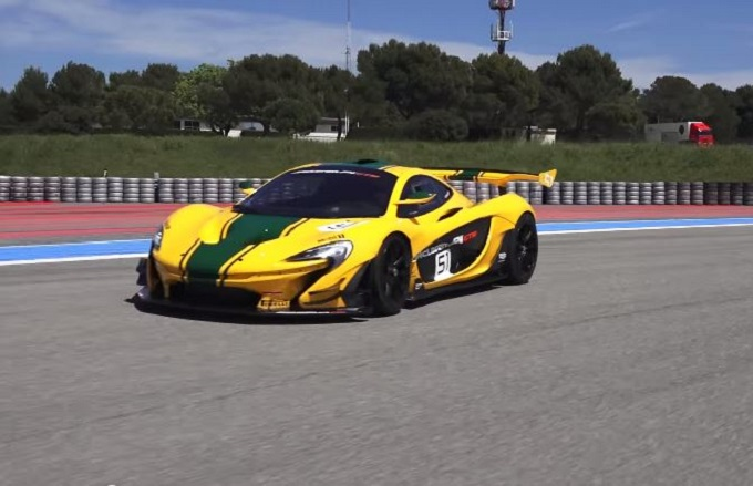 McLaren P1 GTR, grinta e accelerazioni in pista sono da top player [VIDEO]