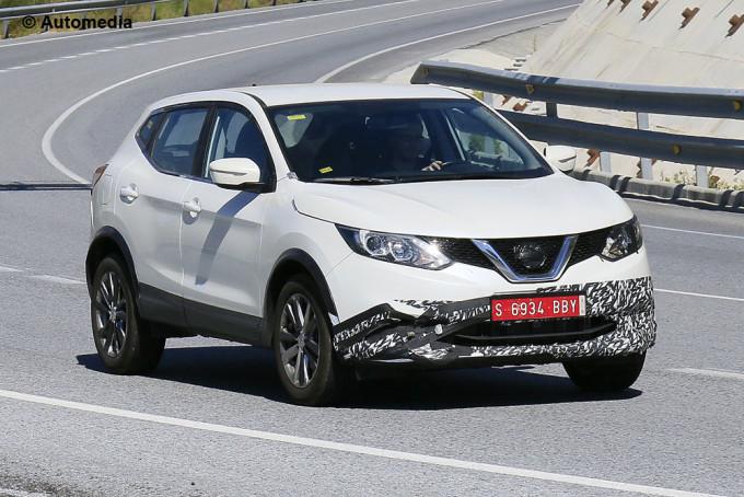 Nissan Qashqai - misterioso prototipo - Foto spia 14-07-2015