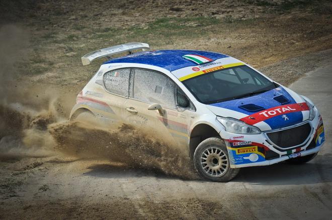 Peugeot_208_R5_e_R2_test_sterrato_87
