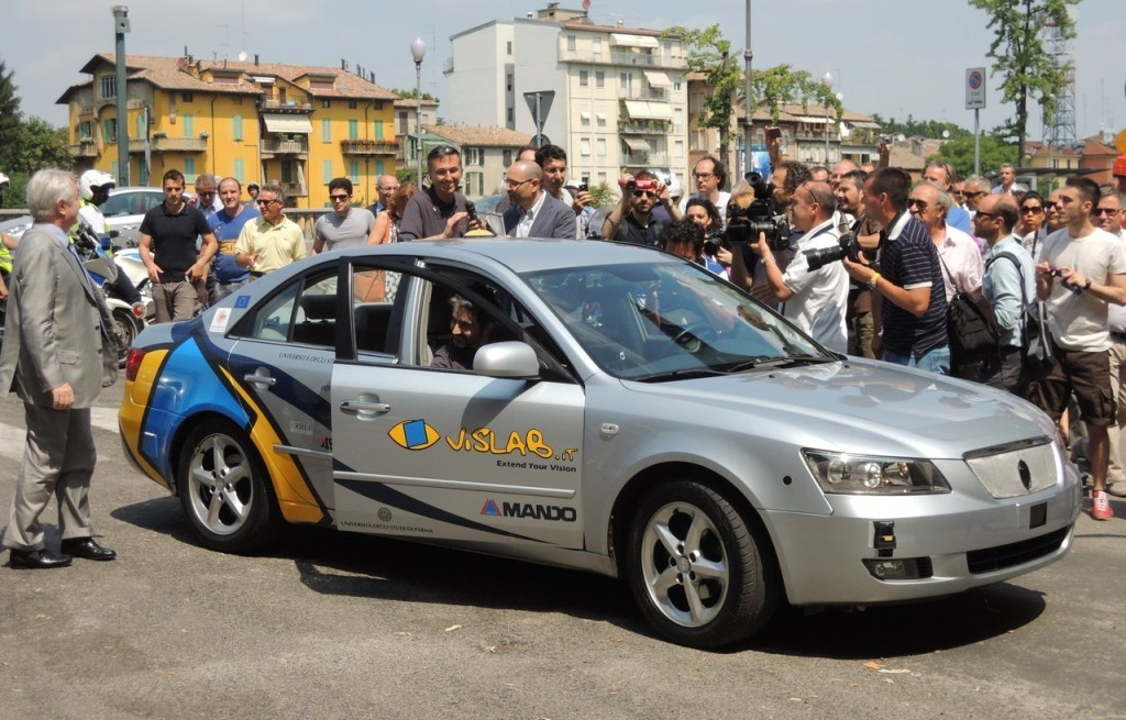 Guida autonoma, la startup italiana VisLab comprata dall'americana Ambarella