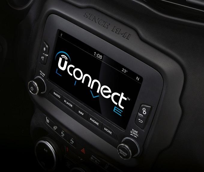 Uconnect, ecco come upgradare il software violato