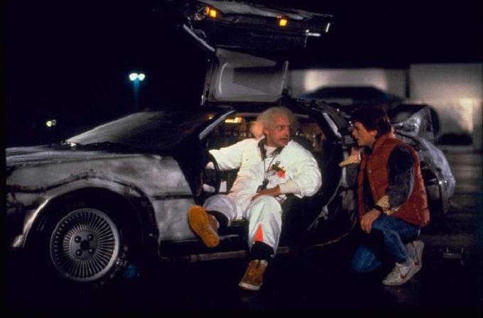"""Auto da sogno? Gli italiani non hanno dubbi: la DeLorean di """"Ritorno al futuro"""""""