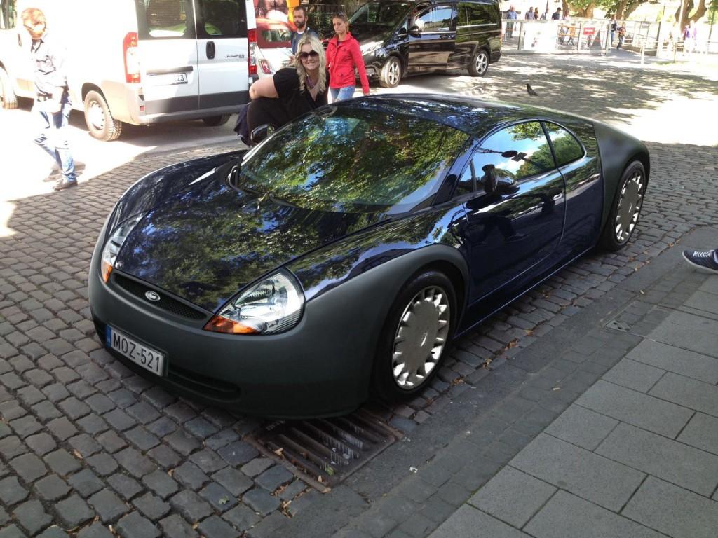Bugatti Veyron e Ford Ka, il mix impossibile realizzato in digitale [RENDERING]