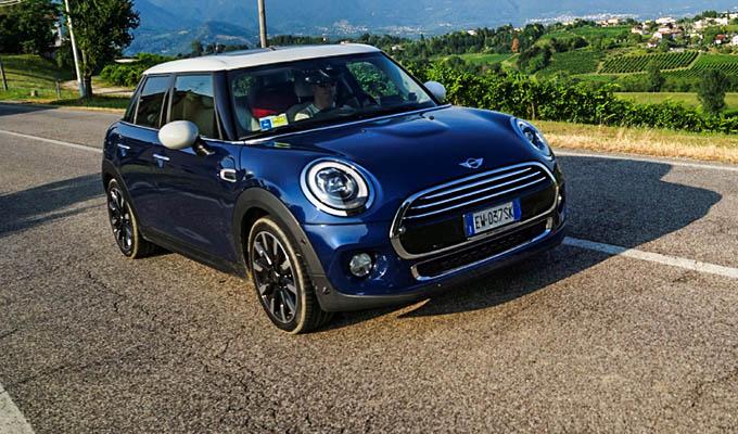 Mini Cooper 5 Porte Mi Si E Allungata La Mini Prova Su Strada