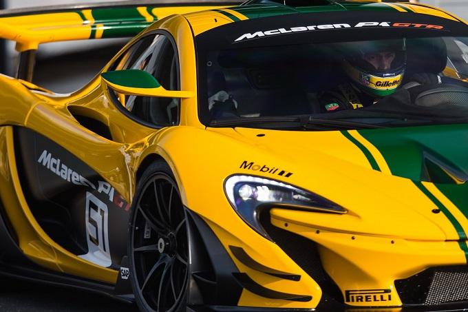McLaren P1 GTR, Bruno Senna aderisce al Driver Program [VIDEO]