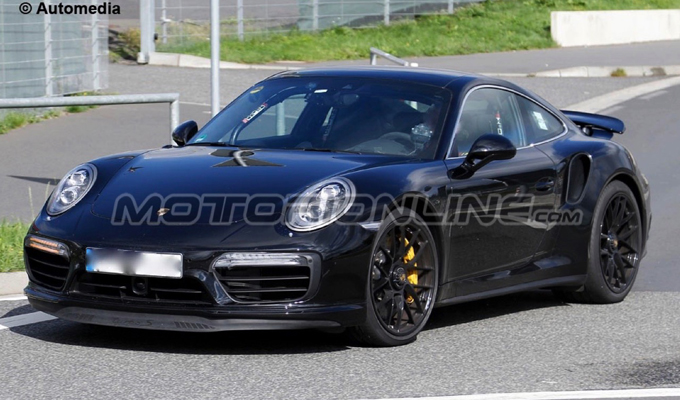 Porsche 911 Turbo MY 2016 - foto spia 19-08-2015