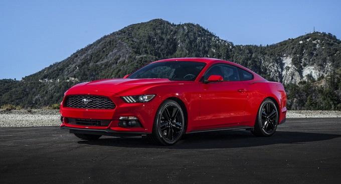 Nuova Ford Mustang, il restyling è molto vicino