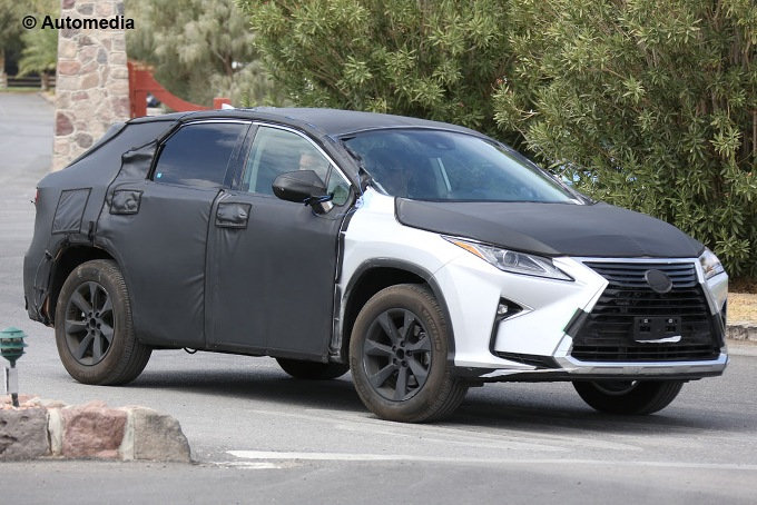 Lexus TX - foto spia (agosto 2015)