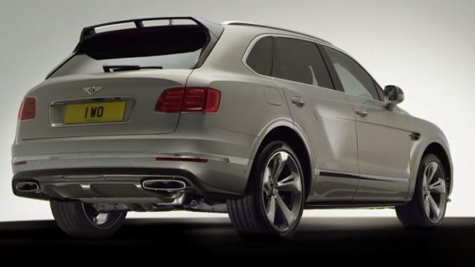 Bentley Bentayga Styling Specification con lo spoiler posteriore in fibra di carbonio [VIDEO]