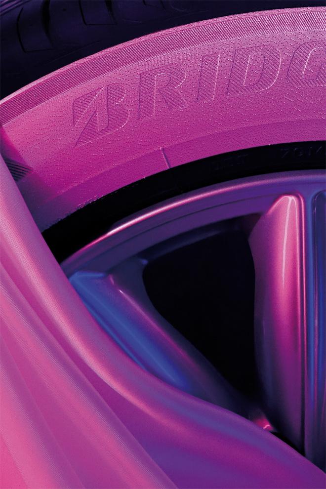 Bridgestone-Campagna-Nastro-Rosa-2