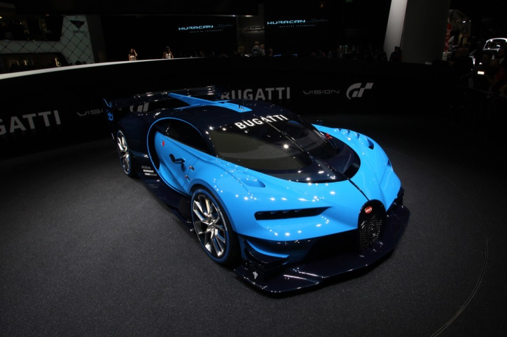 Bugatti Vision Gran Turismo, il bolide si mette in moto [VIDEO]