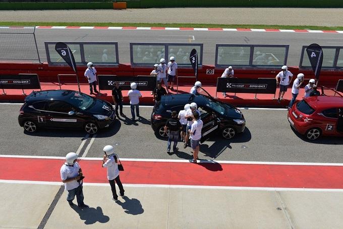Peugeot Driving Experience, dopo il successo estivo si scende in pista anche in autunno