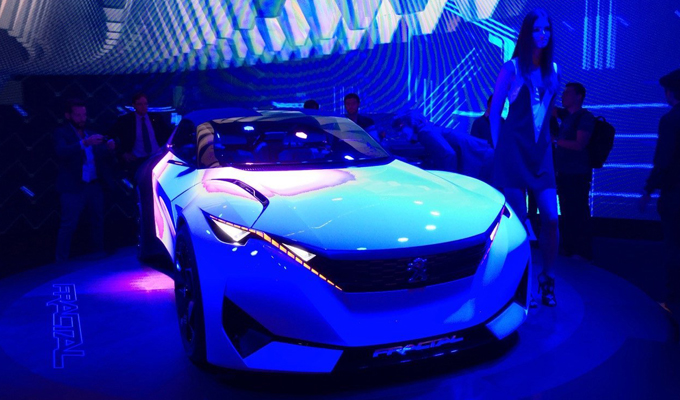 Peugeot al Salone di Francoforte 2015: una sintesi di colori e suggestioni [VIDEO]