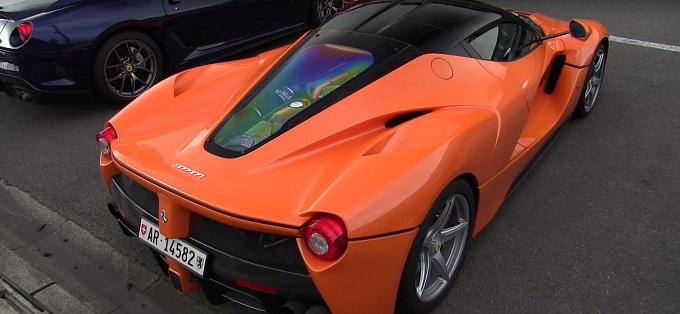 """Ferrari LaFerrari, un modello tutto arancione è stato """"pizzicato"""" a Spa [VIDEO]"""