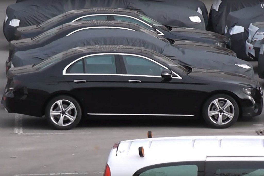 Mercedes Classe E MY 2017: filmati un centinaio di esemplari pre-produzione [VIDEO SPIA]