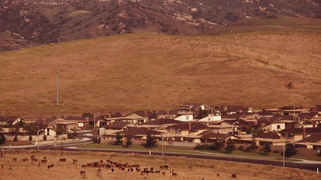 Una zona periferica di Irvine intorno al 1975 (Wikimedia Commons)