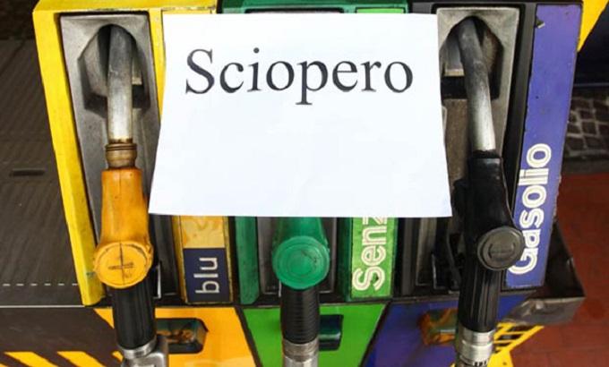 Sciopero dei benzinai indetto per il 20 e 21 ottobre