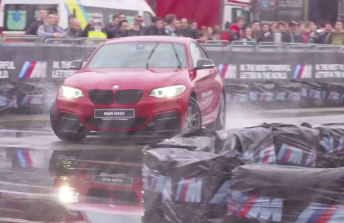 BMW Driving Experience, i modelli dell'Elica a tutto drift all'EICMA 2015 [VIDEO]
