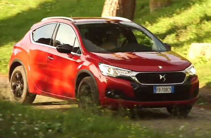 Nuova DS 4 e DS 4 Crossback, duplice anima che mescola stile e grinta [VIDEO]