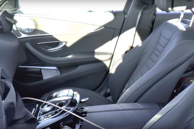 Nuova Mercedes Classe E, un nuovo VIDEO SPIA ci mostra gli interni