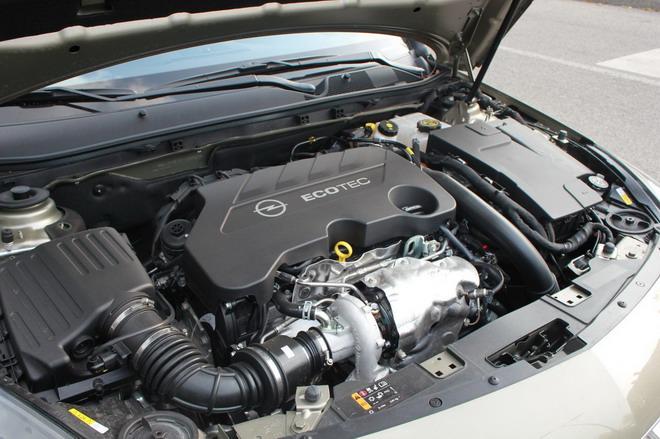 Opel_Insignia_Country_Tourer_prova_su_strada_56