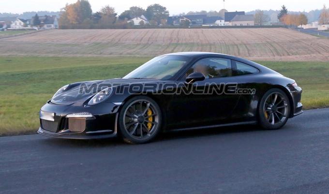 Porsche 911 R - Foto spia 28-10-2015