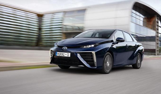 Toyota vuole un mondo sempre più 100% hybrid