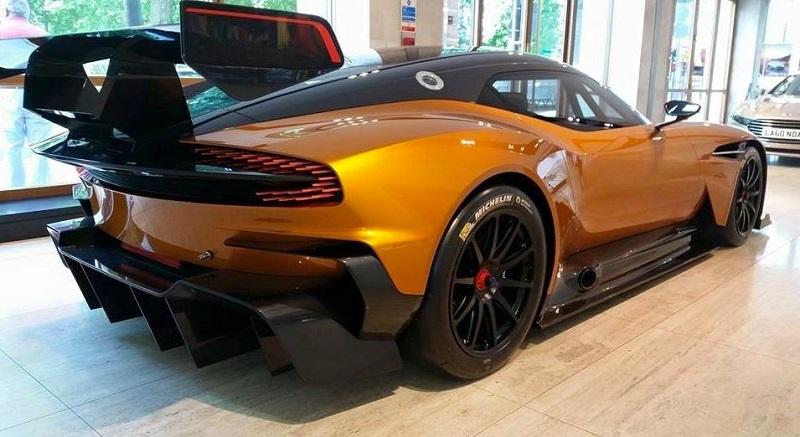 Aston Martin Vulcan: dettagli da sogno [VIDEO]