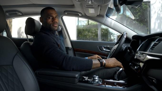 Kia K900: LeBron James risponde alle critiche con un nuovo spot [VIDEO]