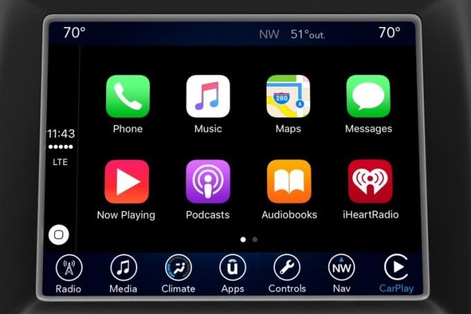 FCA lancia il nuovo Uconnect, compatibile con Apple CarPlay e Android Auto