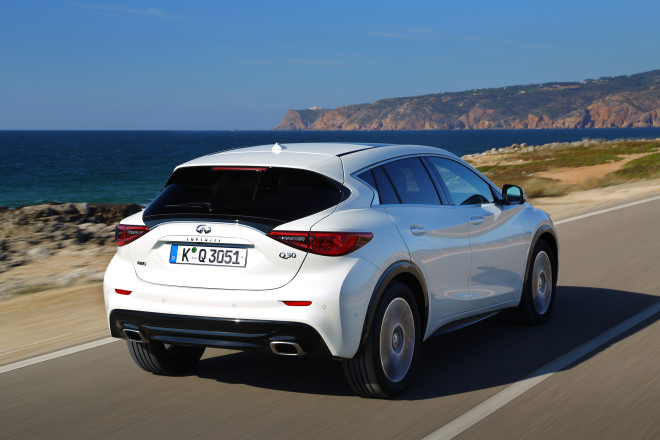 Infiniti Q30 - small family car (2)