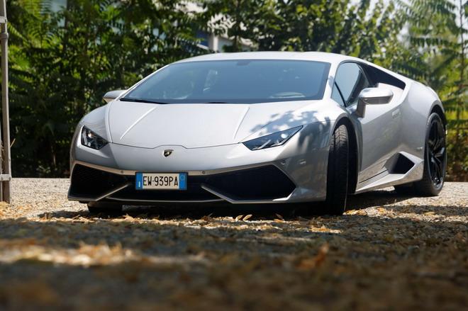 Lamborghini_Huracan_Prova_su_strada_2015_032