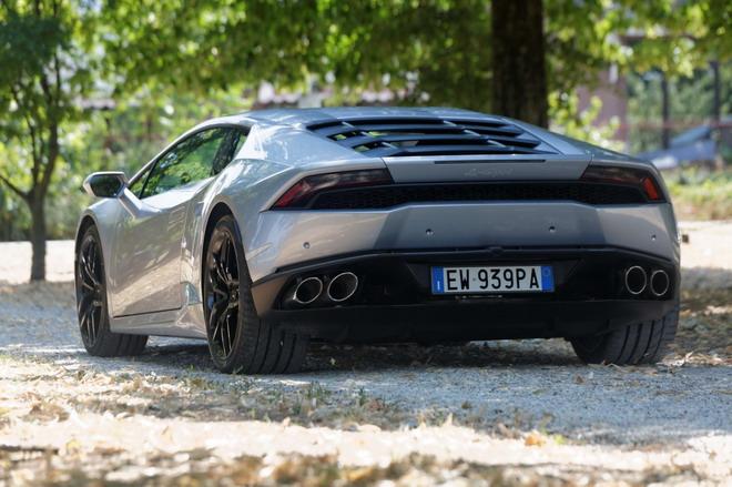 Lamborghini_Huracan_Prova_su_strada_2015_057
