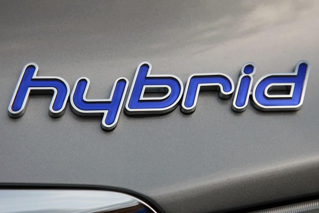 L'ibrido prende piede  in Italia: a gennaio è record di vendite con il 2,1%