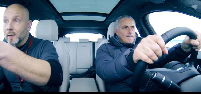 Jose Mourinho guida la nuova Jaguar F-Pace