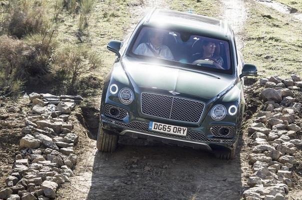 Bentley Bentayga: il SUV più lussuoso del mondo in off road [VIDEO]