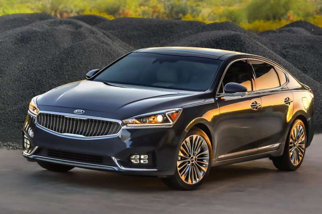 Kia Cadenza MY 2017: la seconda generazione svelata al Salone di New York [FOTO e VIDEO]