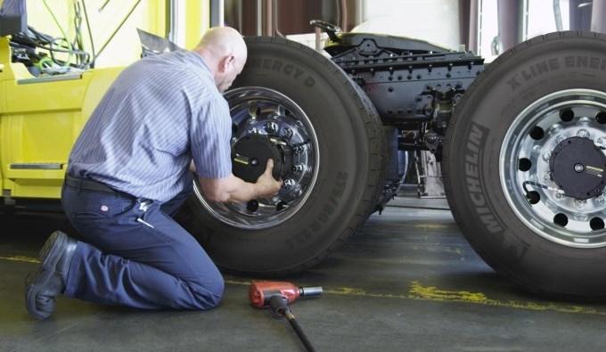 Michelin Auto Inflate, nuovo sistema di gonfiaggio automatico per pneumatici dei veicoli commerciali
