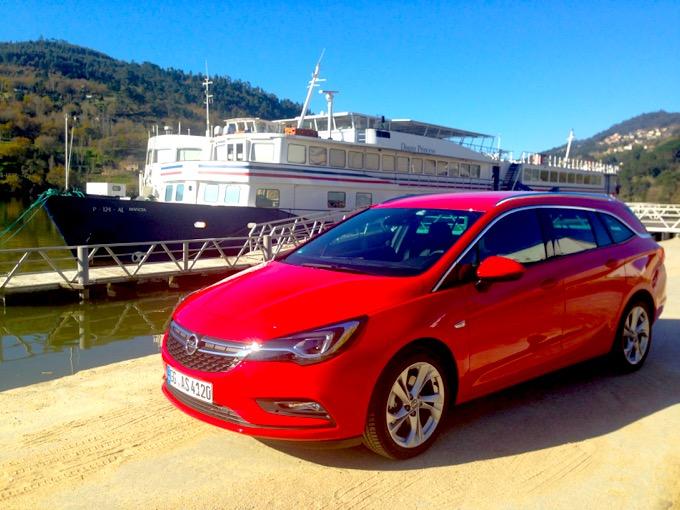 Opel Astra Sports Tourer MY2016