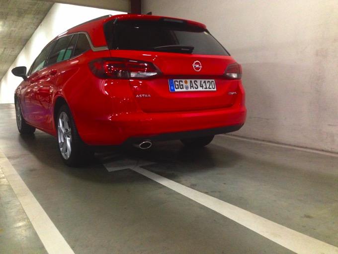 Opel Astra Sports Tourer19