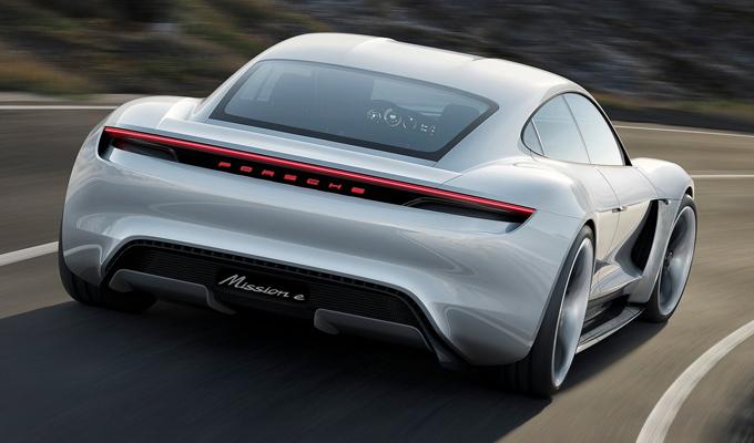 Porsche Mission E Concept Study: design applicato all'innovazione [VIDEO]