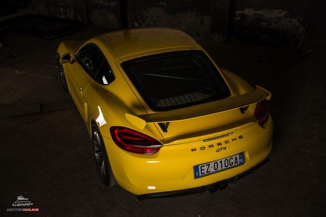 Porsche_Cayman_GT4_Pss_2016_2